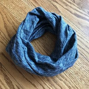 Chunky grey headband